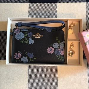 New Coach wristlet with charms gift set